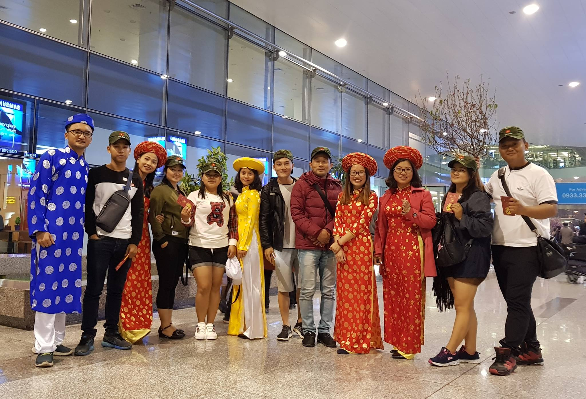 airport-Hanoi-guests