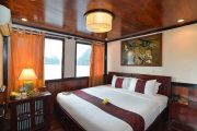 Oasis Bay Cruise Deluxe Double Cabin