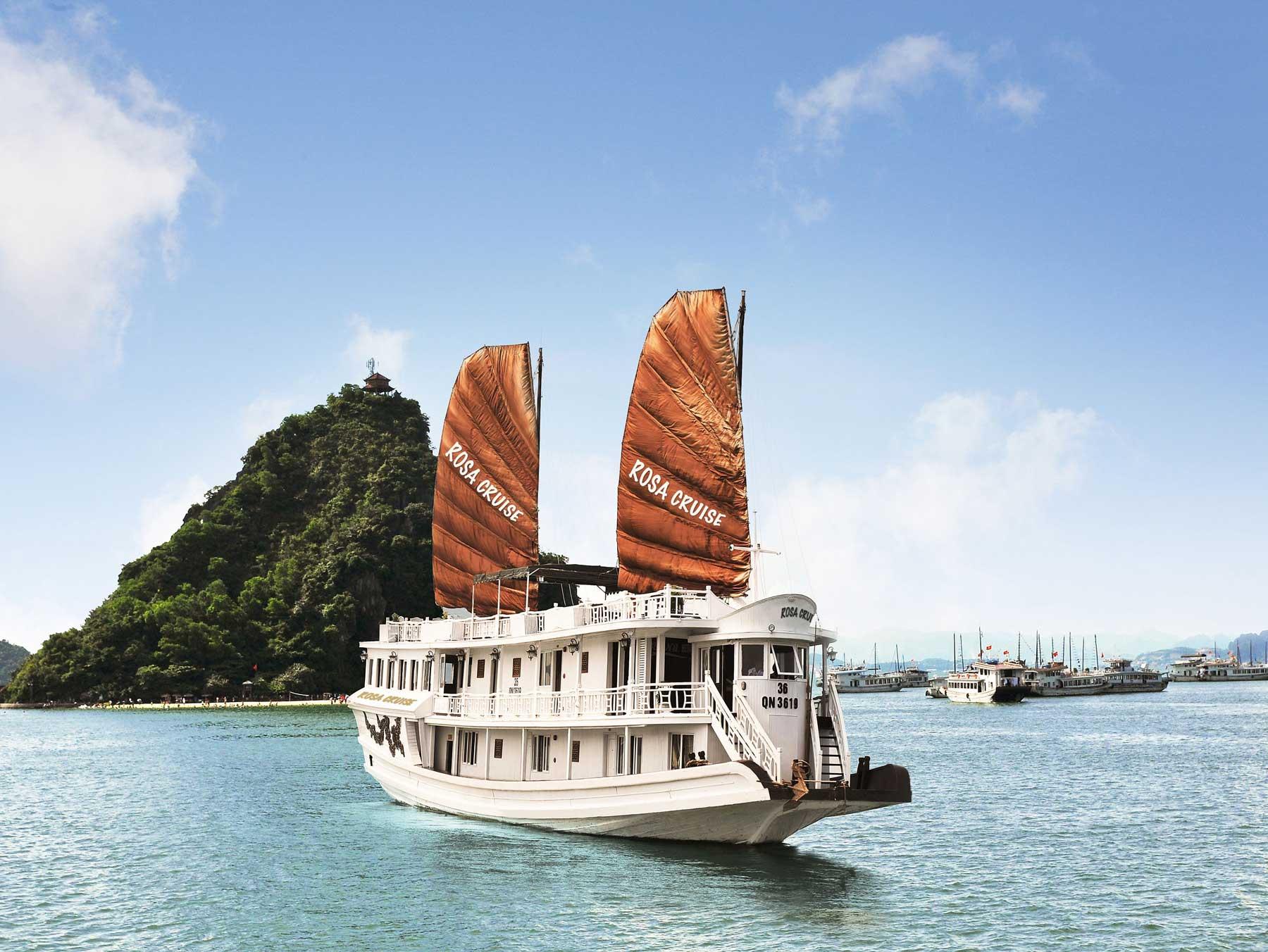 Rosa cruise Halong Bay