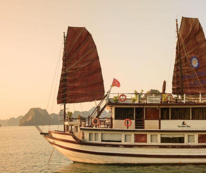 Garden Bay Premium Cruise Boat Bai Tu Long Bay