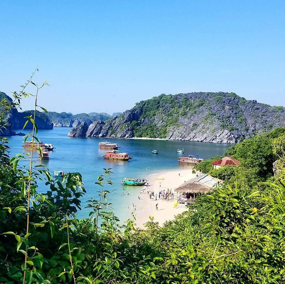 Lan Ha Bay Beach